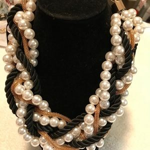 Gorgeous costume pearl and rope necklace